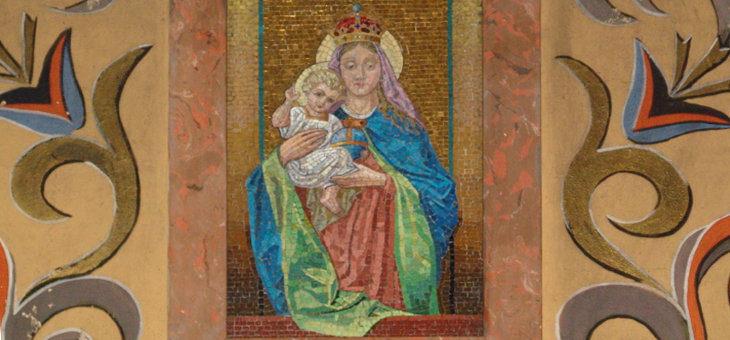 Kamyczkowa Madonna w zakrystii