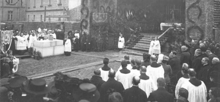 Z kart historii budowy nowego kościoła Serca Jezusowego w Krakowie